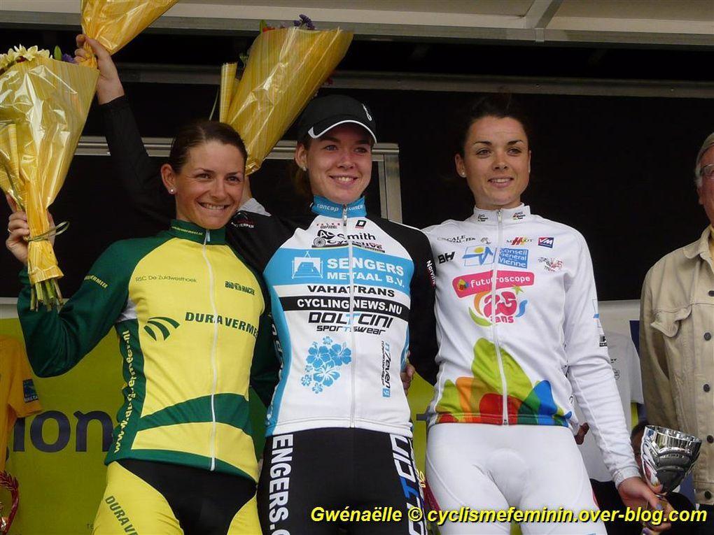 arrivée du TBFI 2012 à Dinéault (29) - victoire Anna Van der Breggen (Ned) - photos Gwénaëlle RIOU