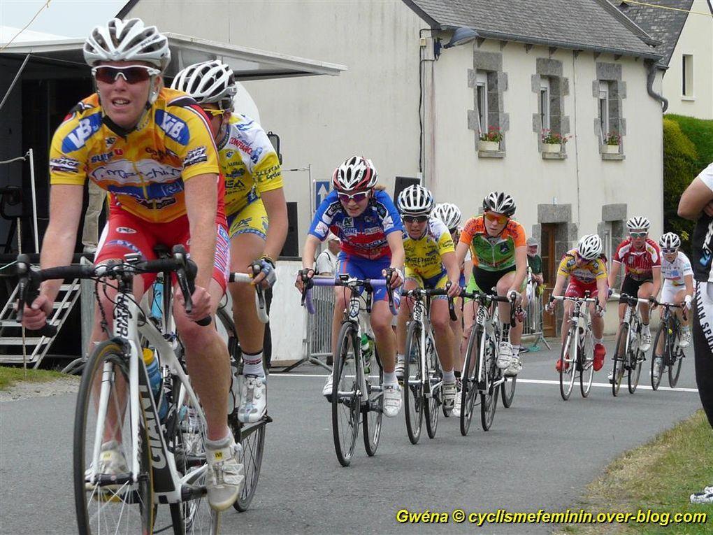 championnats de Bretagne Route 2012 à Plaine-Haute (22)victoire d'Aude BIANNIC et Solène VINSOTphotos de Gwénaëlle RIOU