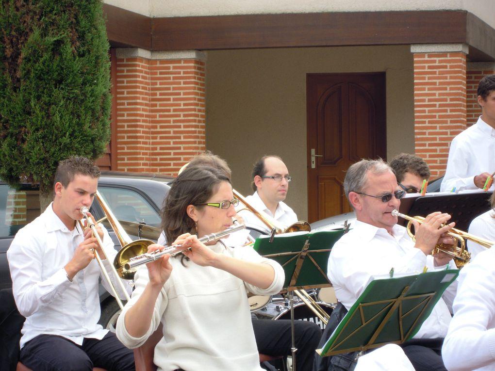 Voici les photos de notre concert lors de journées du patrimoine 2011, au square Mathurin-Crucy à Clisson.