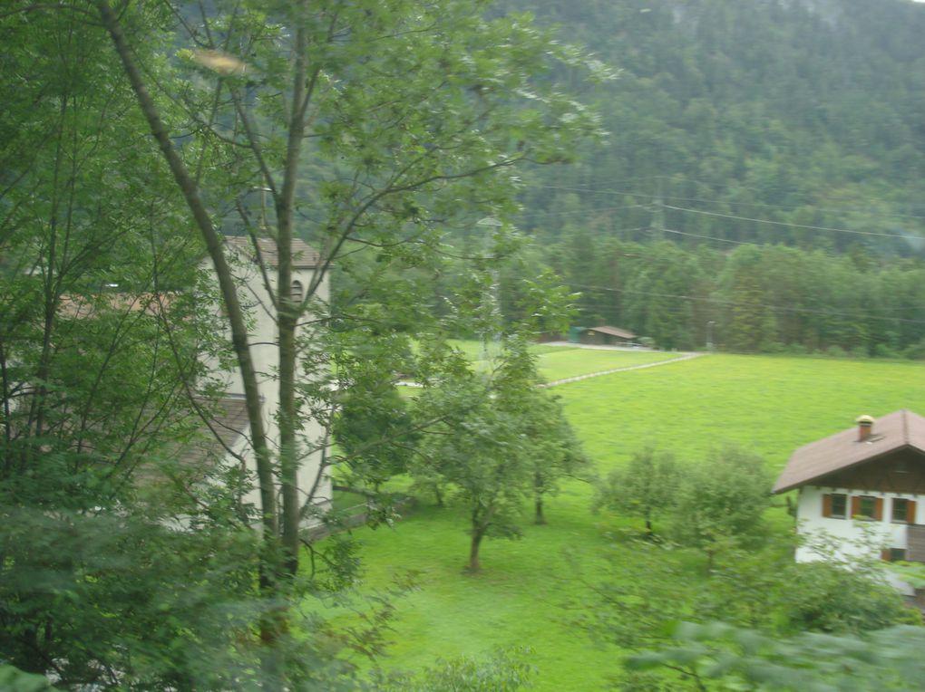 Départ d'Albertville, le 24 juin ausoir, puis d'Innsbrück, le dimanche 26 juin 2011, des VTTistes du raid innsbrück-Albertville