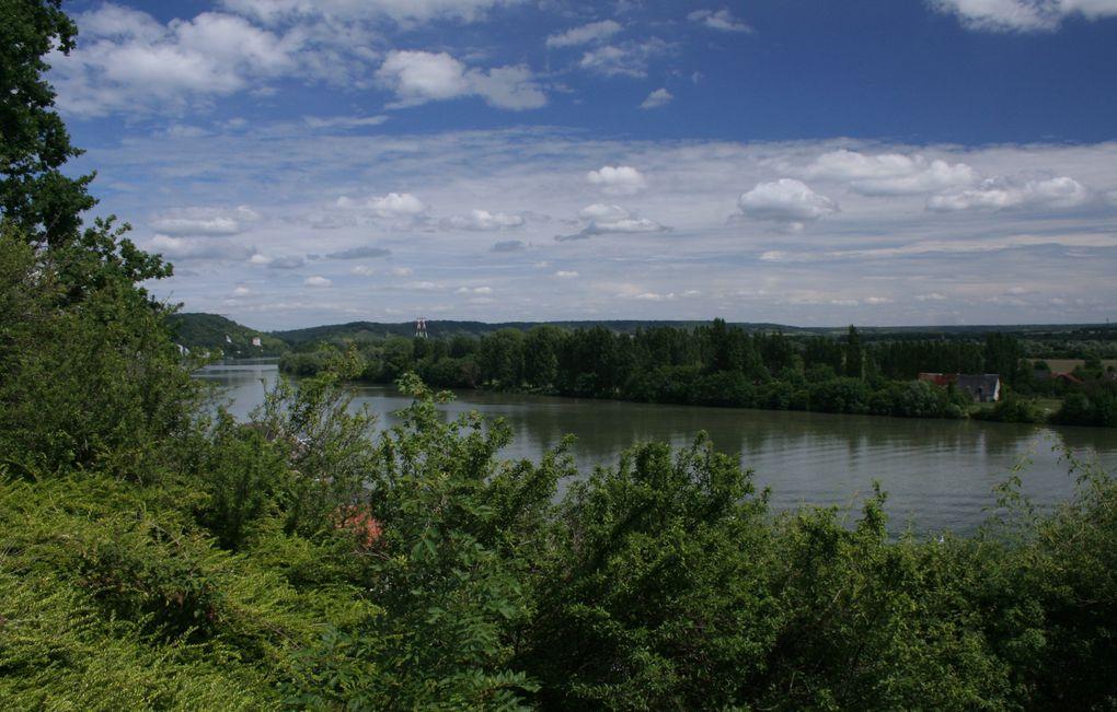 La Seine est omniprésente. La vie des riverains s'est développée autour et avec le fleuve.