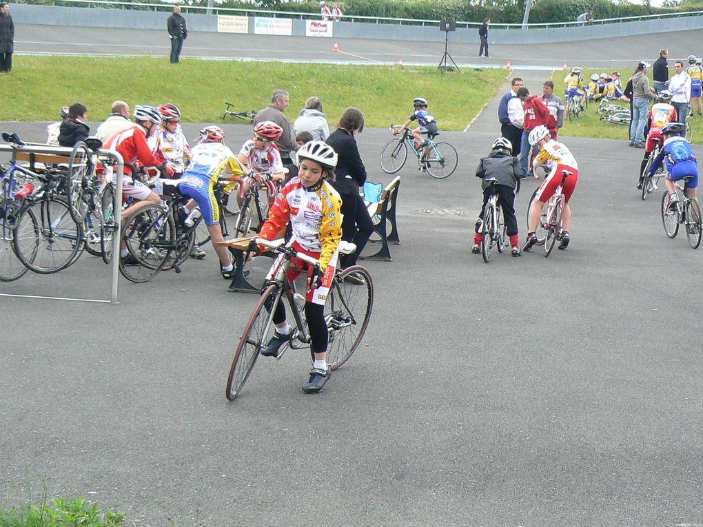Challenge des écoles de cyclismme sur piste à Pordic vu par Plaintel Vélo Star