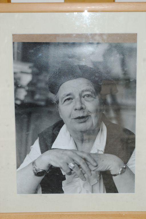 """Le 17 juin 2010, lancement des """"Causeries littéraires"""" de Joseph Vebret et exposition de portraits d'auteurs par Louis Monier."""
