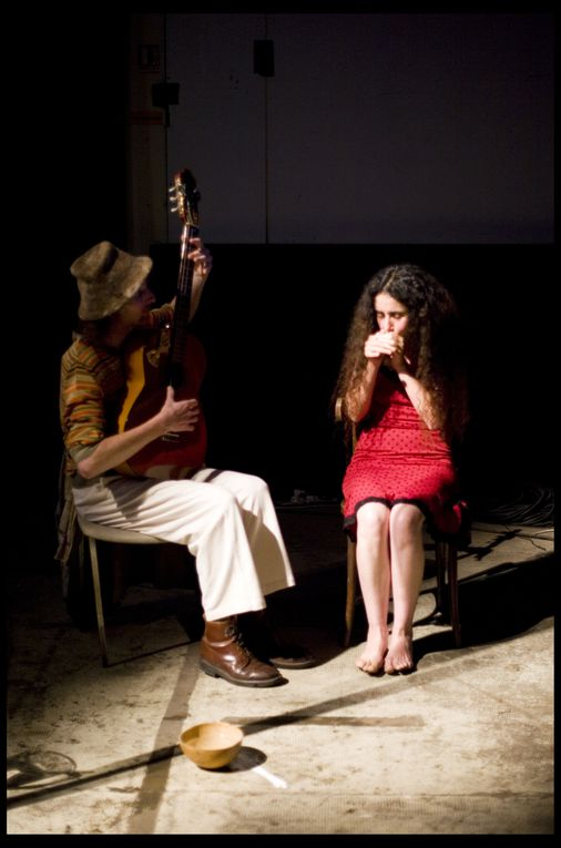 Mât chinois: Ode RossetVidéo: Thomas SilvertMusique & Chant: Olivier Parisis & Fatima El Hassouni