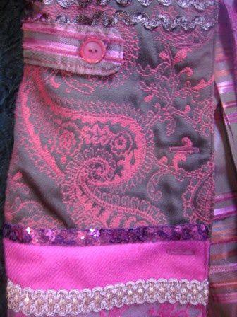 Redingote fille en tissus d'ameublement, jolis rubans, galons, perles crée à partir du livre Mes carnets de couture Mademoiselle, modèle K&#x3B;