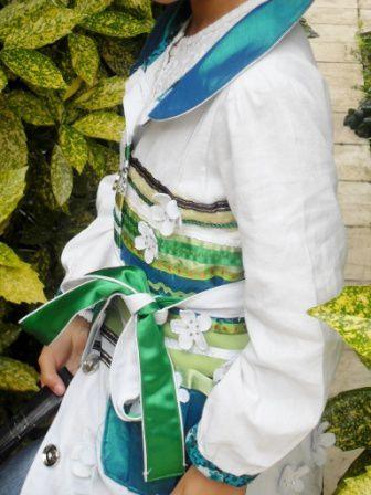 """Différentes versions du manteau léger d'été pour fille revisité et confectionné à partir du livre de couture Japonaise : """"Mes carnets de couture Mademoiselle"""" des éditions Hachette."""