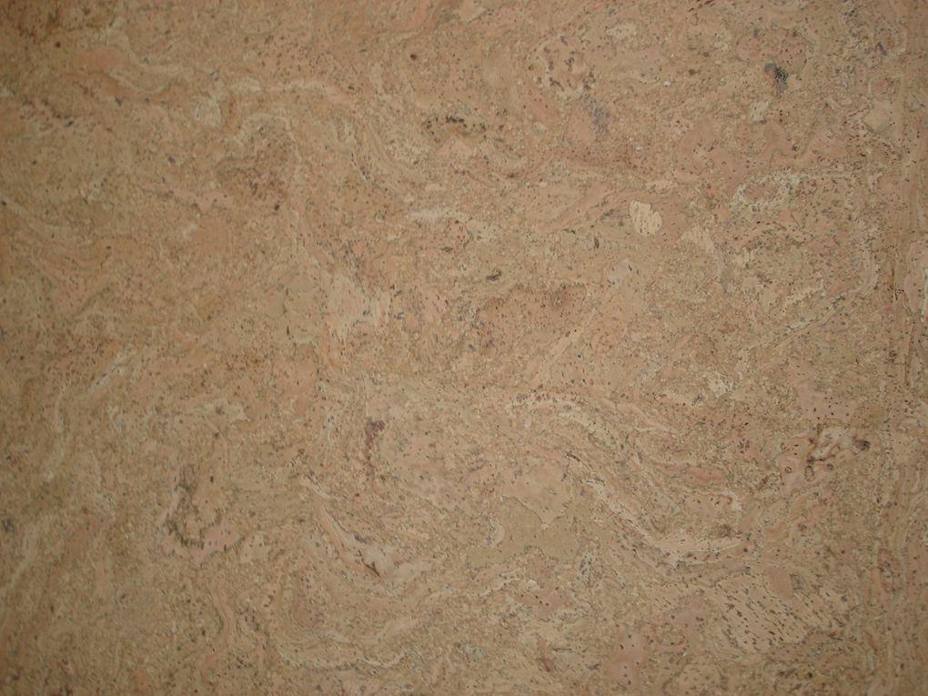 Finition de sol en dalle de liège à coller de chez Aliecor