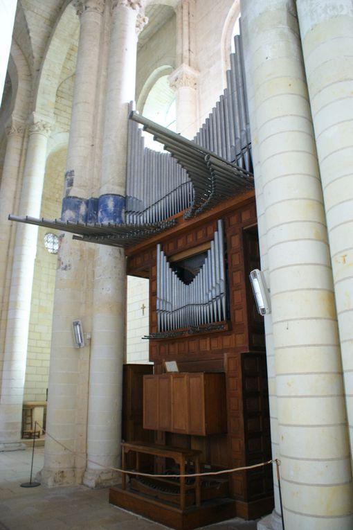 Notre Dame de Cunault est l'une des plus belles églises romanes.