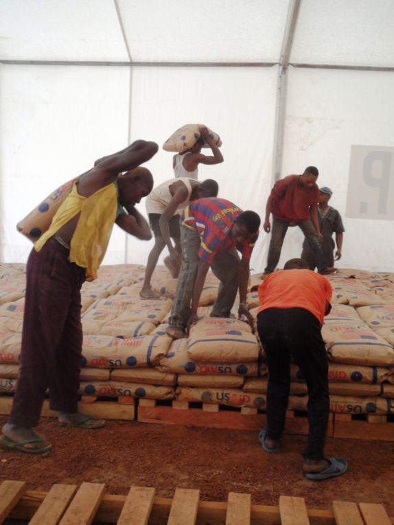 Réunion avec une délégation de la Monusco et stockage de nourriture de Programme Alimentaire Mondial