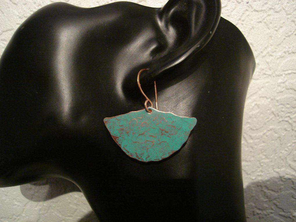 Beaucoup de ces bijoux sont disponibles sur ma boutique:http://www.bijouxiletaitunejoie.fr/accueil-caaaaaaaa.asp