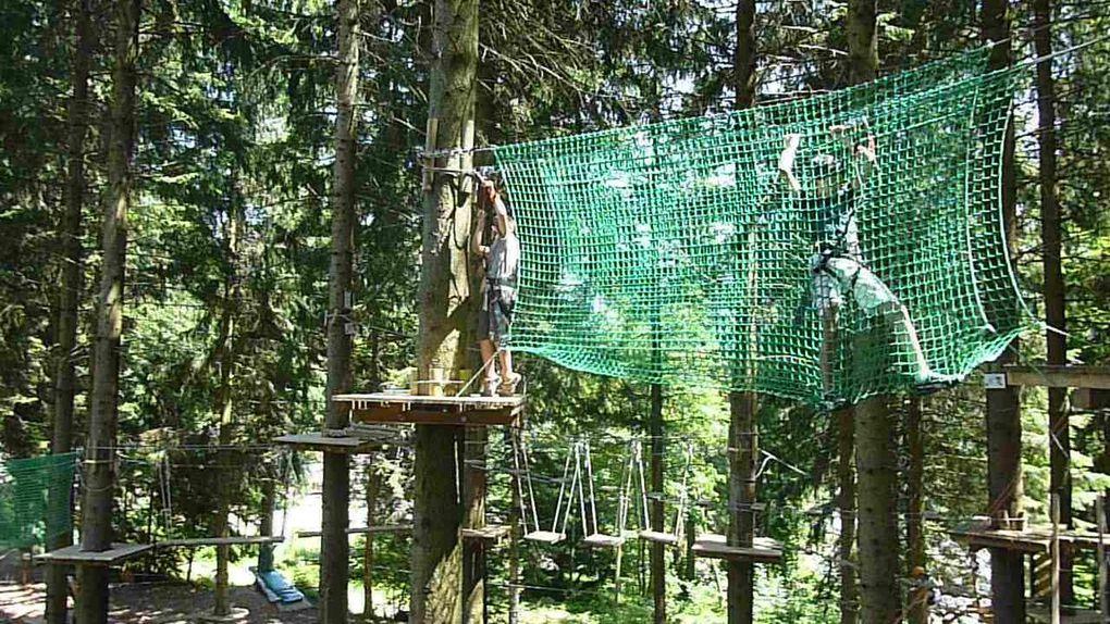 Sortie avec les petits-enfants au col de Marcieu pour un pique-nique et un parcours aventure dans les arbres le 24 juillet 2012