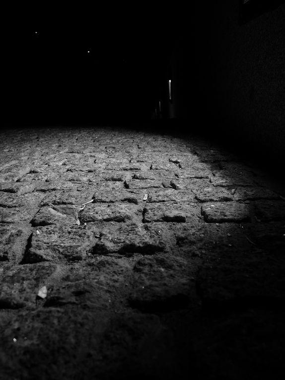 Ce qui caractérise le polar pour moi, c'est la noirceur, la vengeance, du café bien corsé  et un homme qui s'éloigne dans l'obscurité d'une petite ruelle, la tête baissée et qui ne se retourne pas.
