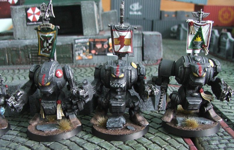 Des Dark Angels pendant l'Hérésie d'Horus la plupart en armure MK6