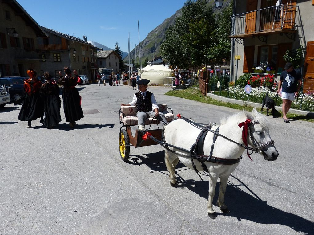 Revivez en images les festivités du 15 août à Bessans, de la partie religieuse avec les costumes traditionnels aux festivités de l'après-midi.Photos : JN Suiffet