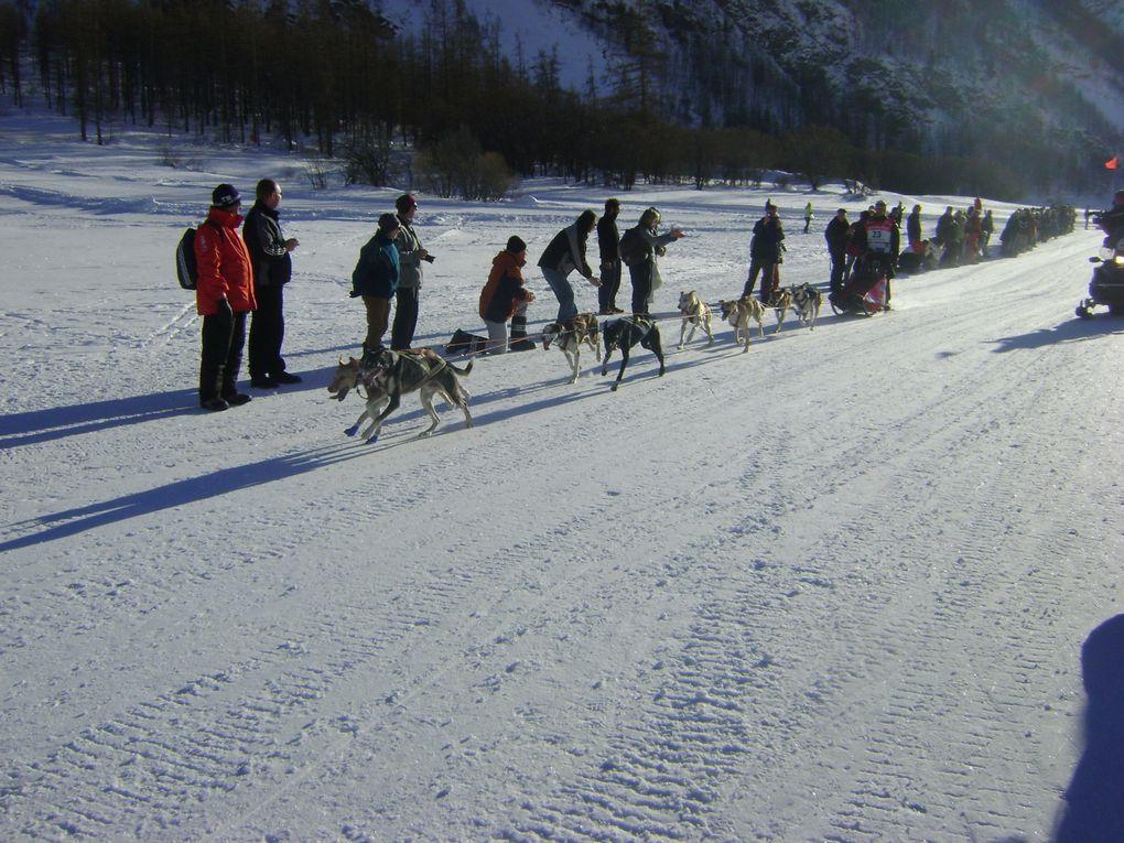 La Grande Odyssée Savoie Mont-Blanc était en Haute-Maurienne du 14 au 18 janvier. Quelques images de la mass-start à Bessans et de l'arrivée à Lanslebourg.Photos : J.Tracq