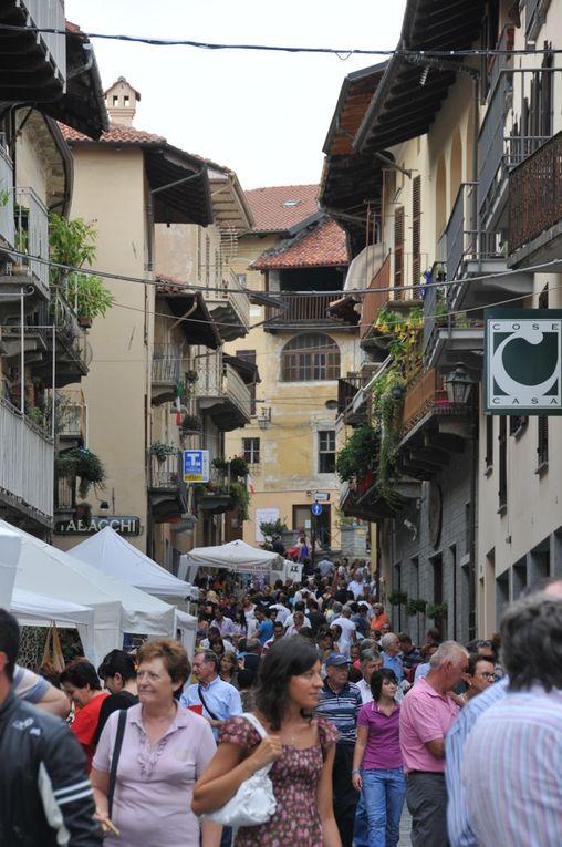 La ville de Saint-Jean-de-Maurienne était représentée lors de la Fête du Pain à Giaveno (Italie), une commune avec laquelle les liens tendent à se développer.Photos : P.Dompnier
