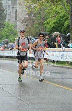Marathon dans la capitale du Canada, le 29 mai 2011, à travers rues d'Amérique du Nord et monuments.