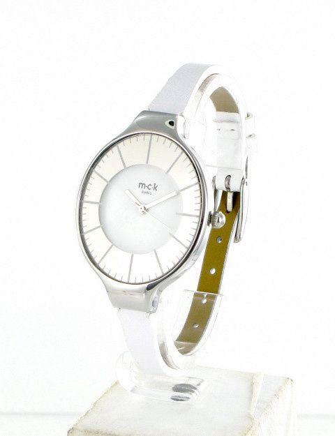 Montres femme en cuir matelassé ou lisse, ces montres de la marque MCK Maclock Paris sont garanties 2 ans par votre boutique en ligne Unemontretendance.com