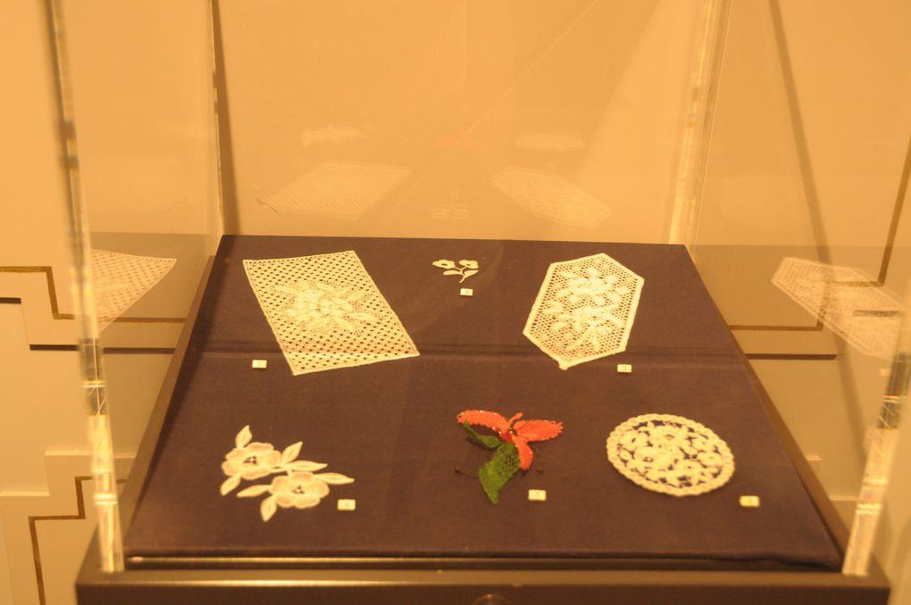 Musée de l'horlogerie  exposition  dentelles