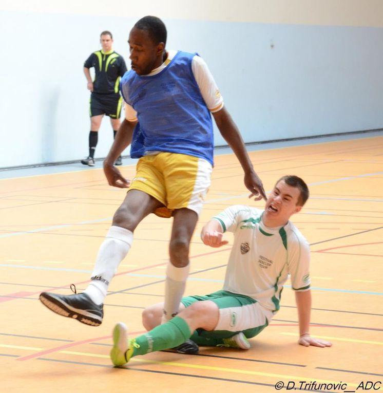 Parce que des causes doivent aussi mobiliser les arbitres. Quelques photos du Festival Soccer Tour organisé par l'association des couleurs le 28 avril 2013 au gymnase Pierre de Coubertin à Paris.
