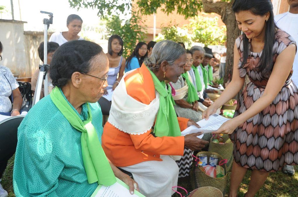 Les personnes atteintes de la maladie d'Alzheimer ont vu entrer, le temps d'une journée, un rayon de soleil resplendissant, dans leur vie pareille au soleil couchant. Merci de tout coeur, Mialy Rajoelina !