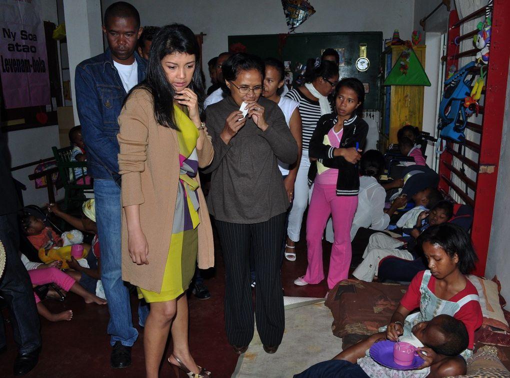 09/09/2011. Mialy Rajoelina, Présidente de l'Association FITIA et Kentaro Harada, Président mondial de la JCI, visitent l'association RAYON DE SOLEI ESPOIR DE TOAMASINA. Photos : Mika kely