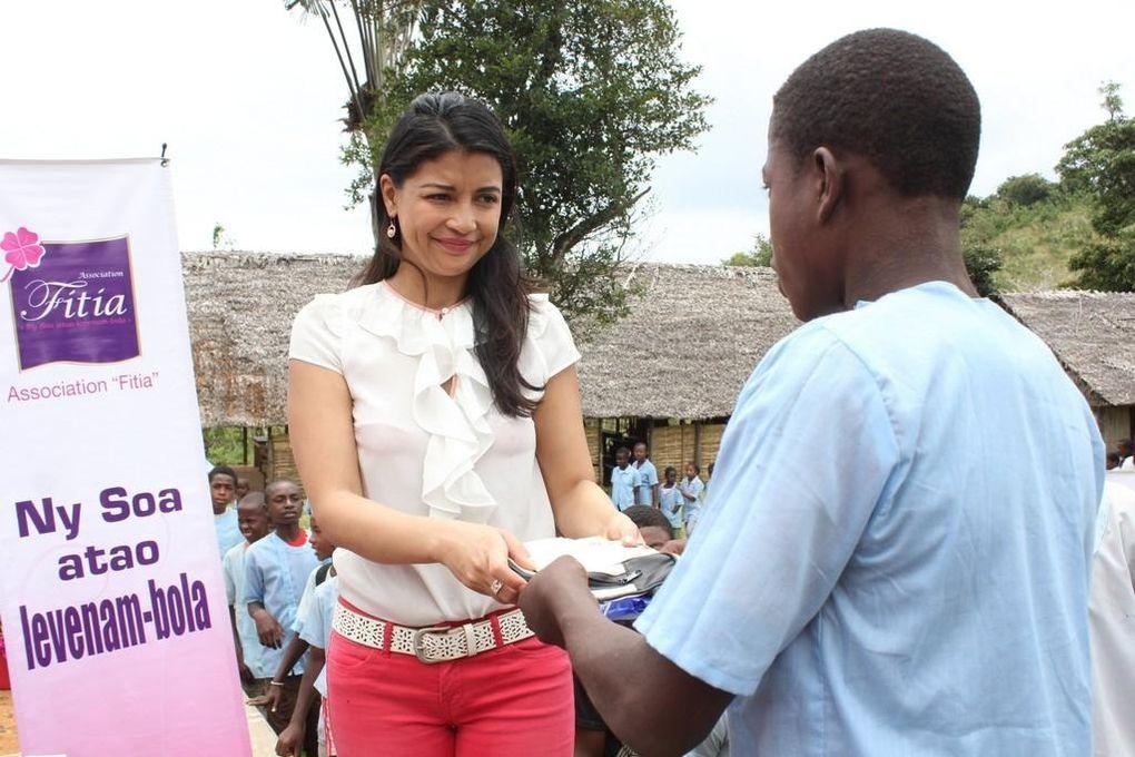 Antalaha. Descente au village Bel Fort pour enfants lépreux, de Mialy Rajoelina, Présidente de l'association Fitia. Les photos parlent d'elles-mêmes.