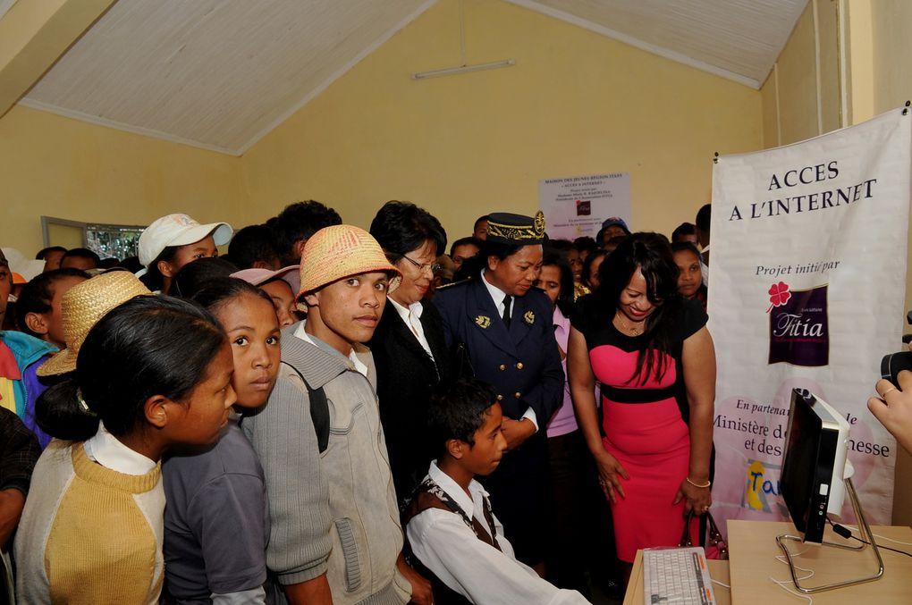 L'association Fitia, présidée par Mialy Rajoelina, a procédé à l'équipement d'accès à  l'Internet haut débit pour les jeunes de Soaninandriana Itasy.