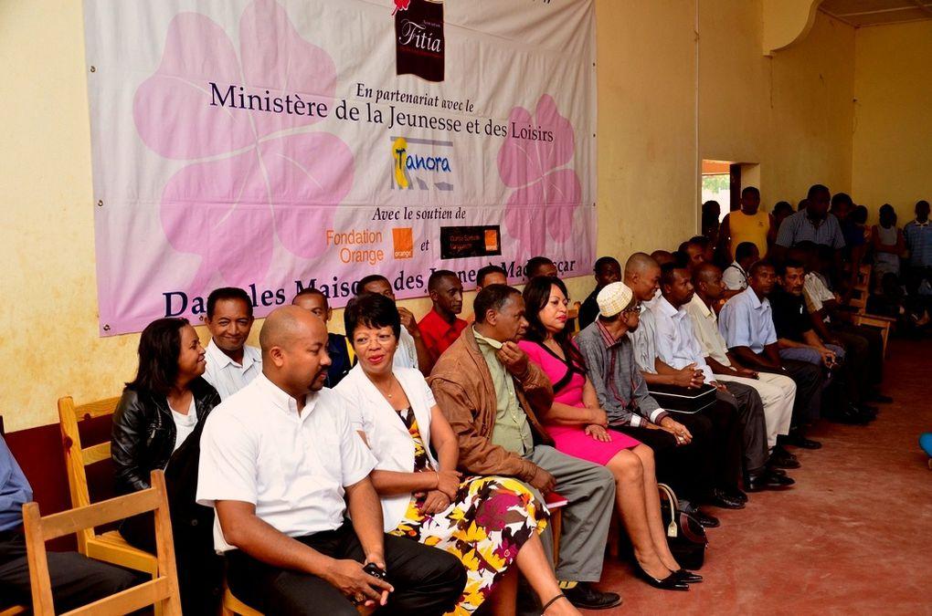 Inauguration du Centre d'accès à Internet haut débit, à la Maison des Jeunes de Maintirano, région Melaky. Un projet initié par l'association Fitia de Mialy Razakandisa Rajoelina. Photos: Harilala Randrianarison