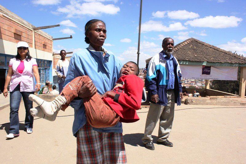 Actions socio-médicales de l'association Fitia à Ambatomaro, Antananarivo banlieue.