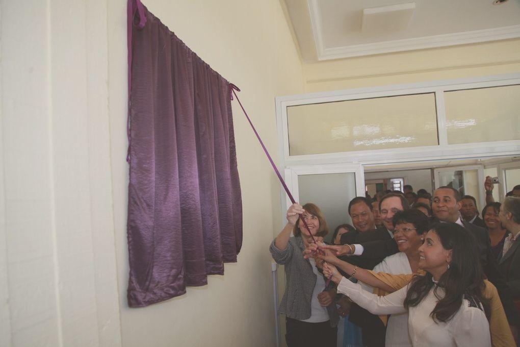 Bibliothèque Nationale Anosy. Inauguration du Centre accès Internet pour la Région Analamanga. Album 2. Photos: Harilala Randrianarison