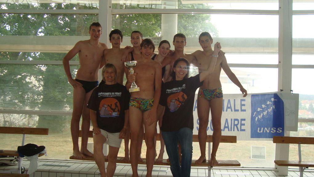 Le collège Notre Dame du château est vice-champion de France de natation grâce à la performance de Marion, Pauline, Joseph, Yann, Pierre, Nicolas et Théo!