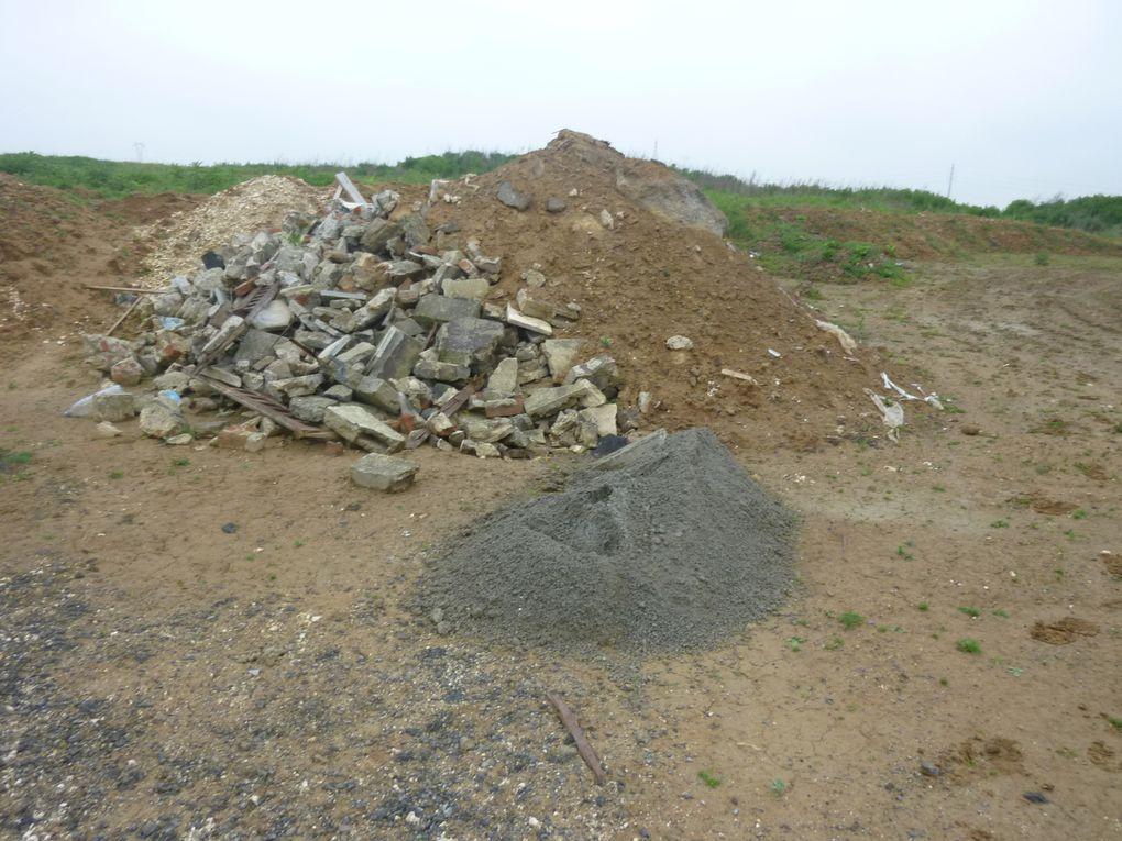 cette ZAC a été aménagée sur une zone sensible (du point de vue environnemental -> Ressources en eau, Champs captants).Mais malheureusement la CAD ne tient pas ses engagements par rapport à la Charte Palme (Gestion des déchets, entretien...).