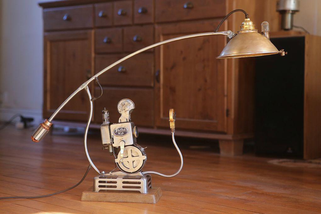 Lampes réalisées à partir d'ancien petites projecteurs des années 30 à 50.