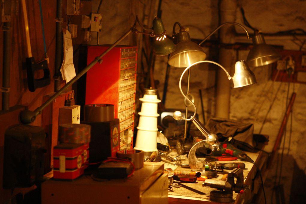 Tout ce passe ici, dans le sous-sol d'une maison. C'est petit, assez sombre, jamais rangé, et pourtant j'y ai passé et y passerais encore des centaines d'heures...