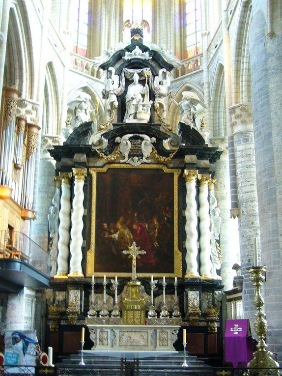 Une belle journée de printemps à Gand, visite de la ville, églises, architecture, peinture, musée du design... un régal pour les yeux !!!