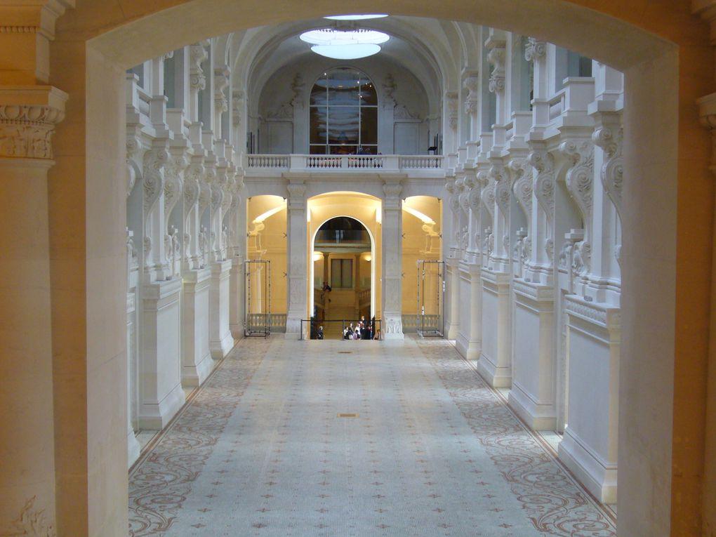 Situé dans une des ailes du Louvre, dans un cadre extraordinaire, de magnifiques collections présentant du mobilier, l'histoire du design, des bijoux... et bien d'autres objets d'hier et d'aujourd'hui.