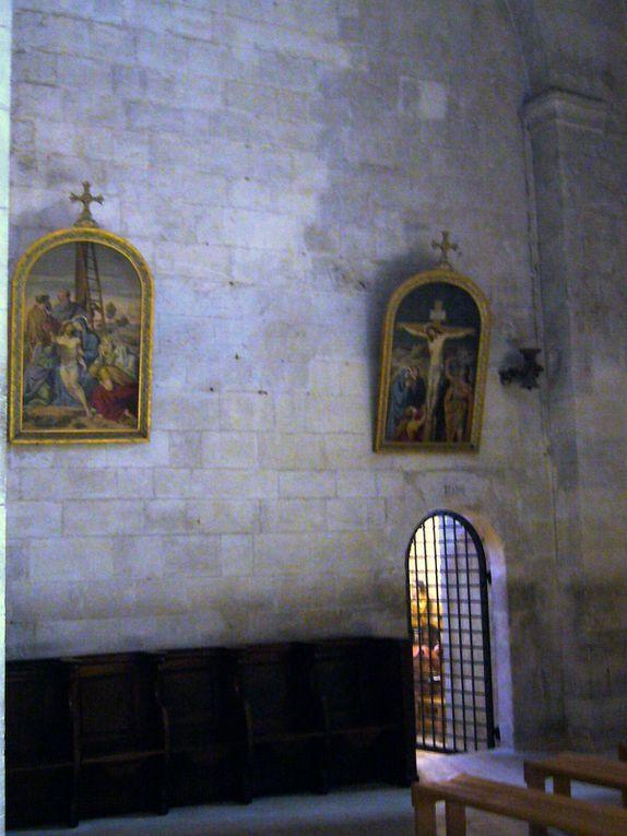 ex-Cathédrale Romane de tout beauté, au coeur d'un ancien village médiéval fortifié.