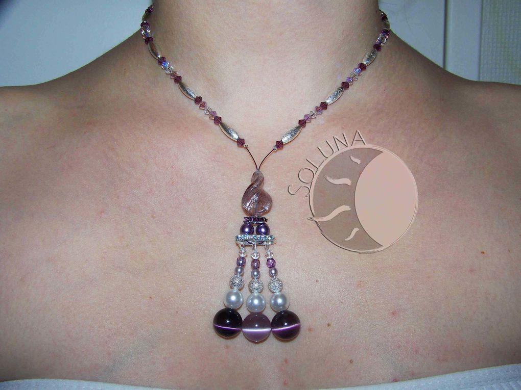 Mélange de perles de cristal, de Svarowski, de perles de nacre, à effet...des colliers uniques pour tout évènement