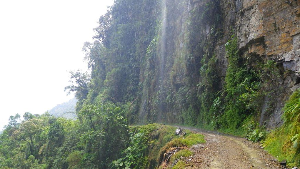 Deux excursions en VTT autour de La Paz.WMDR = World Most Dangerous Road.Sorata = Trip à vélo techniquement très difficile avec un départ en haute altitude dans le brouillard = Que du bonheur !!!