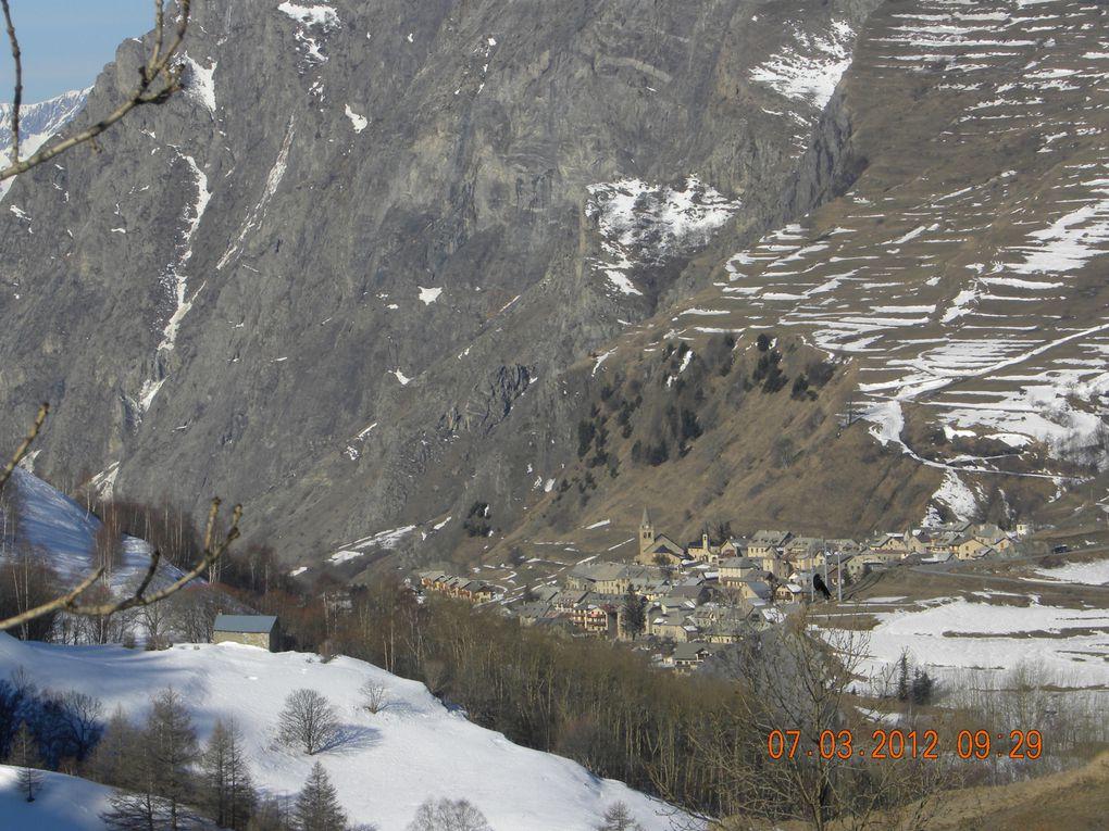 Des montagnes, une vallée quelques ajouts indispensables au montage d'une page