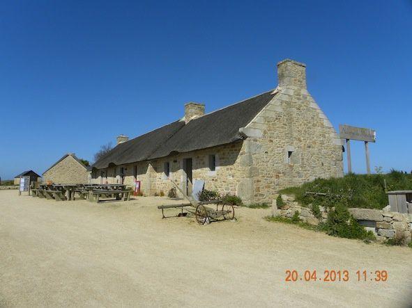 Rivages sauvages de la Bretagne,toujours en mouvement, le vent, la fraicheur, les embruns, se ressourcer près de qui nous a vu naître. Incomparable et rien à voir avec la Côte d'Azur