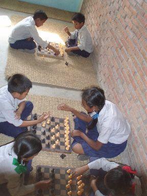 Photos du programme organisé par MdH et les scouts à l'école de l'association TOIT