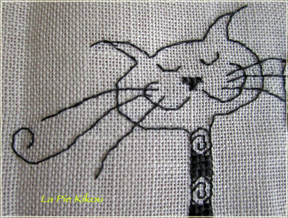 Création MAGGI GO'S VILLAGE sur lin ivoire 11fils