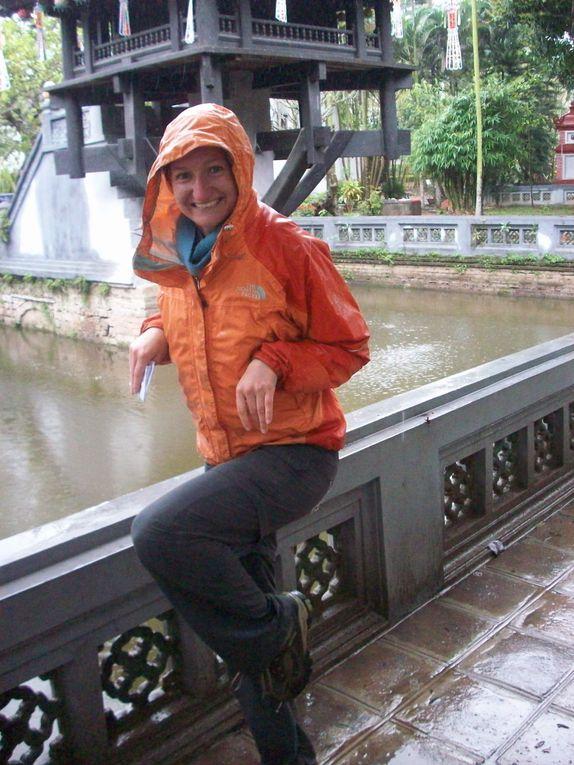 Premieres impressions de l'Asie, de la moderne Hong Kong  a la traditionnelle Hoi An en passant par Hanoi bouillonnante de vie, la baie d'Halong intemporelle et les rizieres vietnamiennes.