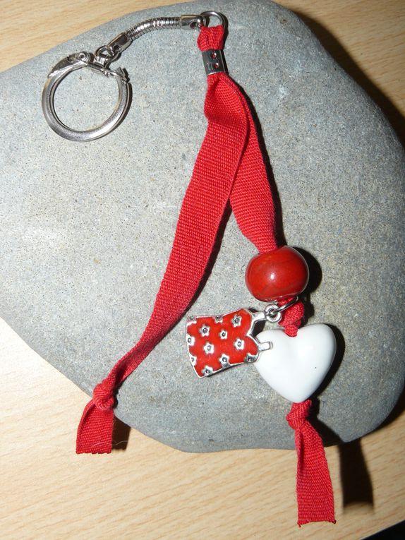 gri-gris, porte-bonheur, porte-clefs, bijoux de sacs...à accrocher partout !!