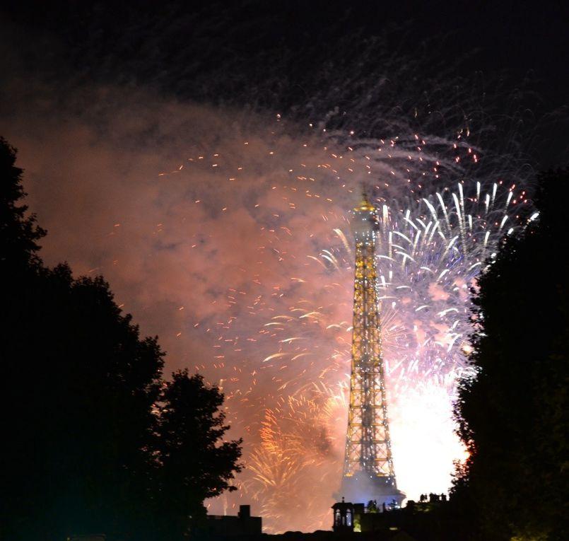14 juillet 2014, sur le boulevard du Montparnasse, vue sur la tour Eiffel !
