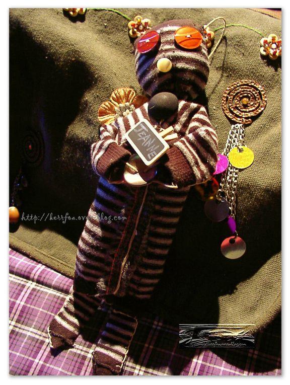 poupées chaussettes: chaussettes, boutons, tissus, fil etc...