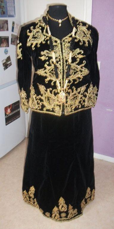 chaque région de l'Algérie a ses propres vêtements de fête