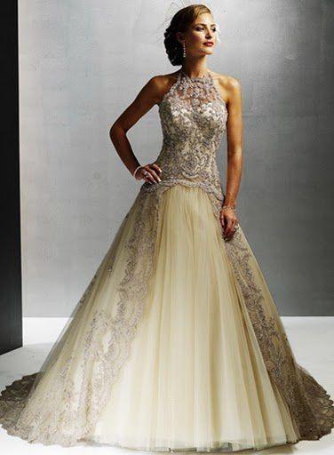 vous trouvez ici la robe dans tt femme reve de la porté ds le plus important jour de sa vie+accesoires gants voile
